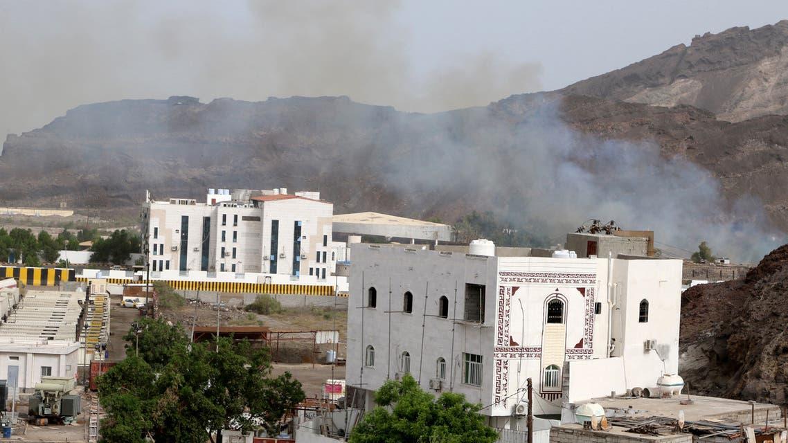 Smoke rises during clashes in Aden, Yemen August 8, 2019. REUTERS/Fawaz Salman