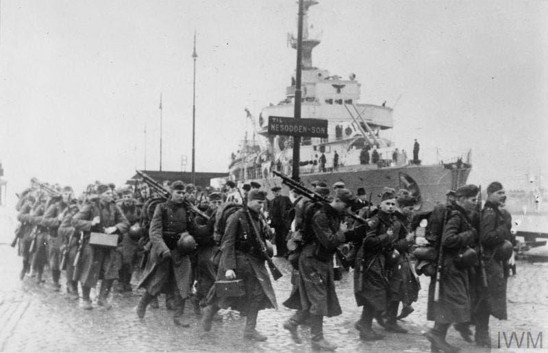 جانب من القوات الألمانية عقب نزولها بالنرويج