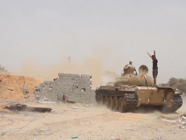 غارات للجيش الليبي على مواقع داخل الكلية الجوية بمصراتة