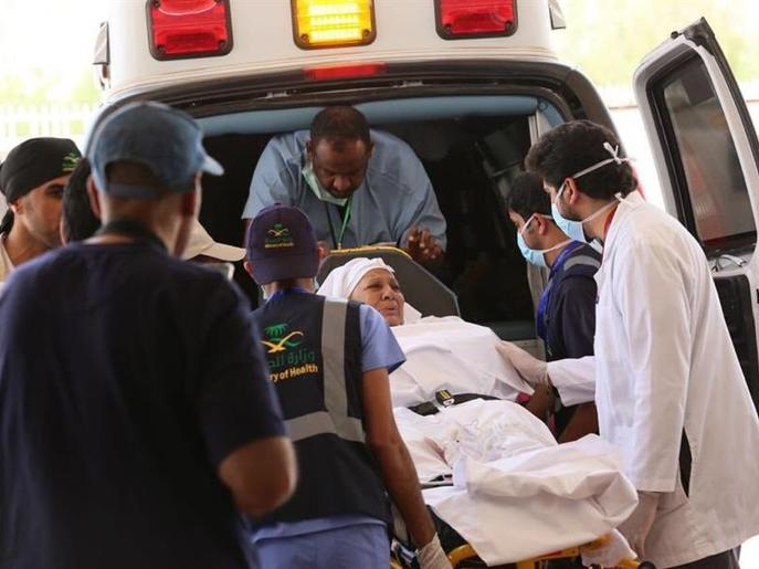 فيديو مؤثر للحظة تفويج حاجة مريضة إلى مستشفى عرفة