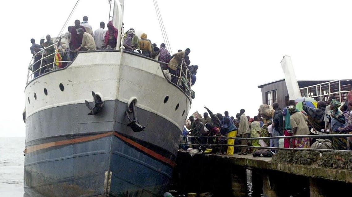 An overcrowded ship threatens to capsize as refugees leave Goma to Bukavu at the extreme south of the lake Kivu in the Democratic Republic of Congo. (File photo: AFP)