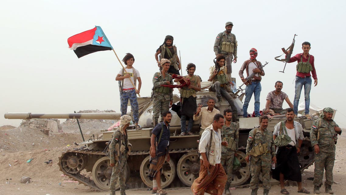 Members of southern Yemeni separatist forces stand atop a tank during clashes with government forces in Aden, Yemen August 10, 2019. REUTERS/Fawaz Salman