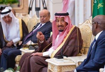 جانب من حديث الملك سلمان مع ضيوف الحج من رؤساء الدول - واس
