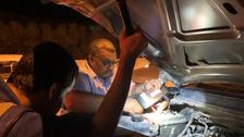 حجاج کرام کی گاڑیاں ٹھیک کرنے کے لیے سعودی رضاکاروں کی ٹیم