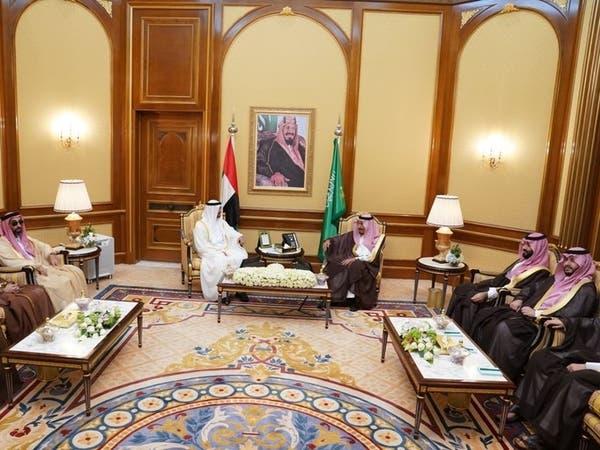 الملك سلمان ومحمد بن زايد بحضور ولي العهد السعودي ناقشا الأوضاع على الساحة اليمنية