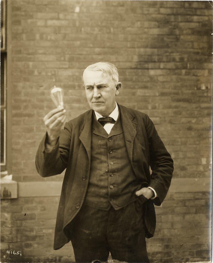 صورة للمخترع الأميركي توماس إديسون