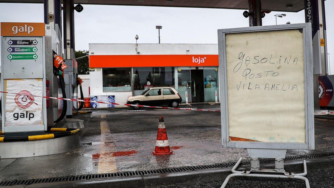 Portuguese police escort fuel tankers as drivers strike - AFP