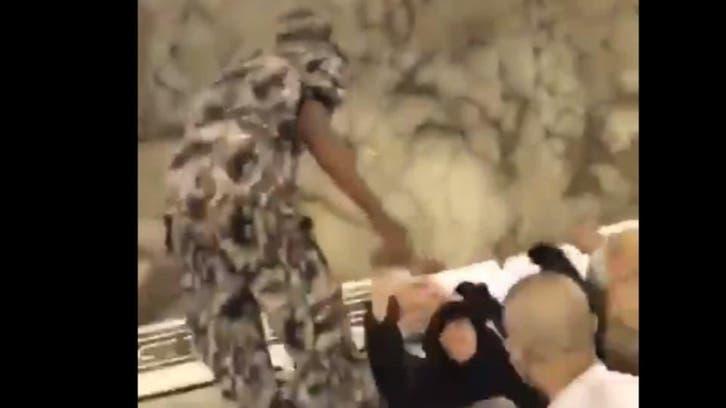 حجاج کی خدمت پر سعودی عرب کے سیکیورٹی اہلکار لیے انعام واکرام