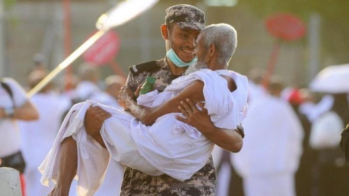 hajj guards kindness (Twitter/@HashKSA)
