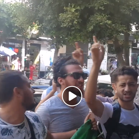 الجزائر.. طلبة يقتحمون اجتماع تنصيب اللجنة الاستشارية للوساطة