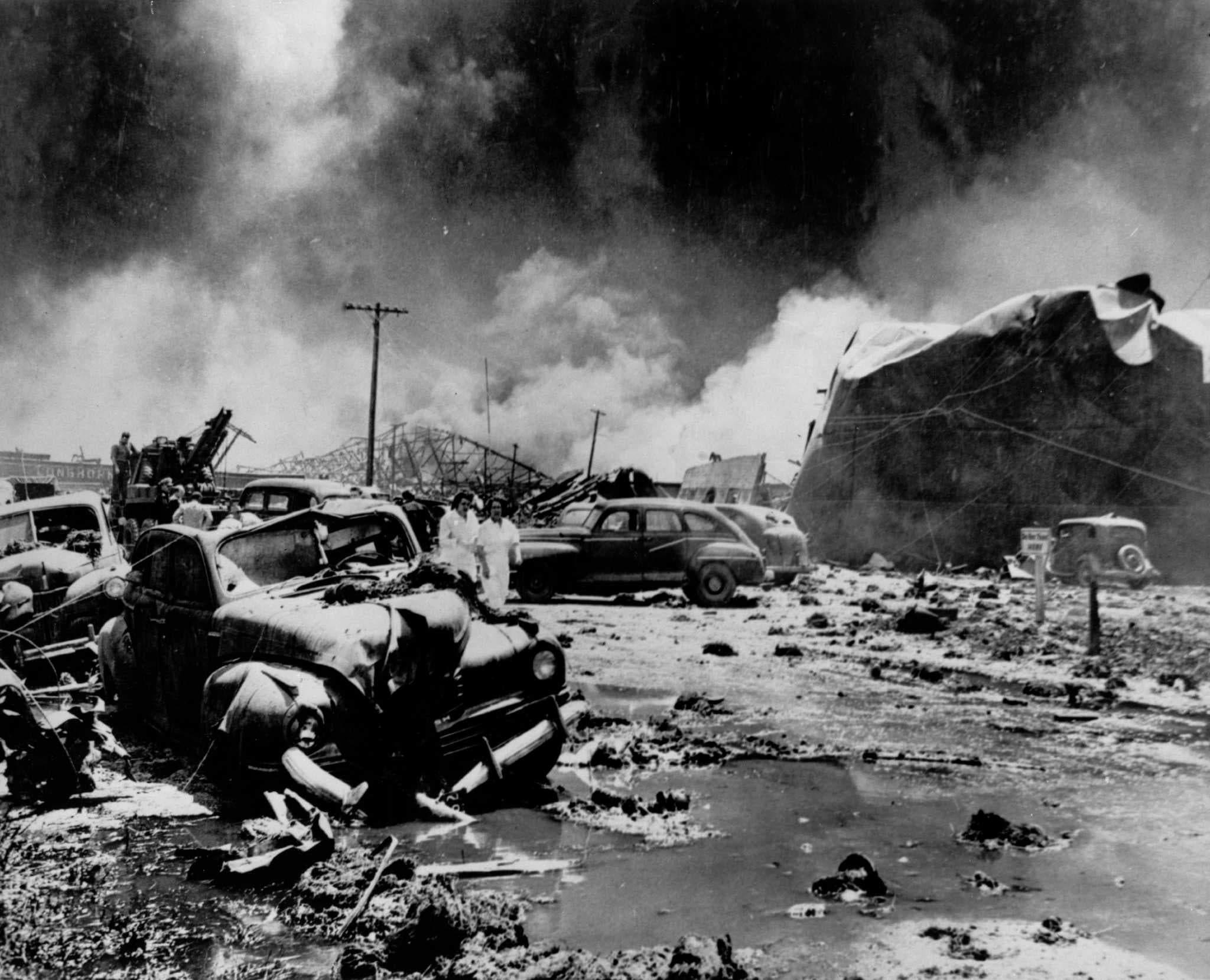 صورة تبرز حجم الخراب الذي لحق بالمنطقة عقب الانفجار