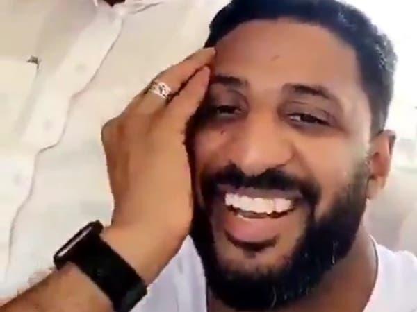 هدية لاعب سعودي شهير لبائع بطيخ تثير الإعجاب.. ماهي؟