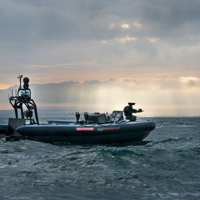 قارب ذاتي القيادة لمكافحة القرصنة وجمع المعلومات
