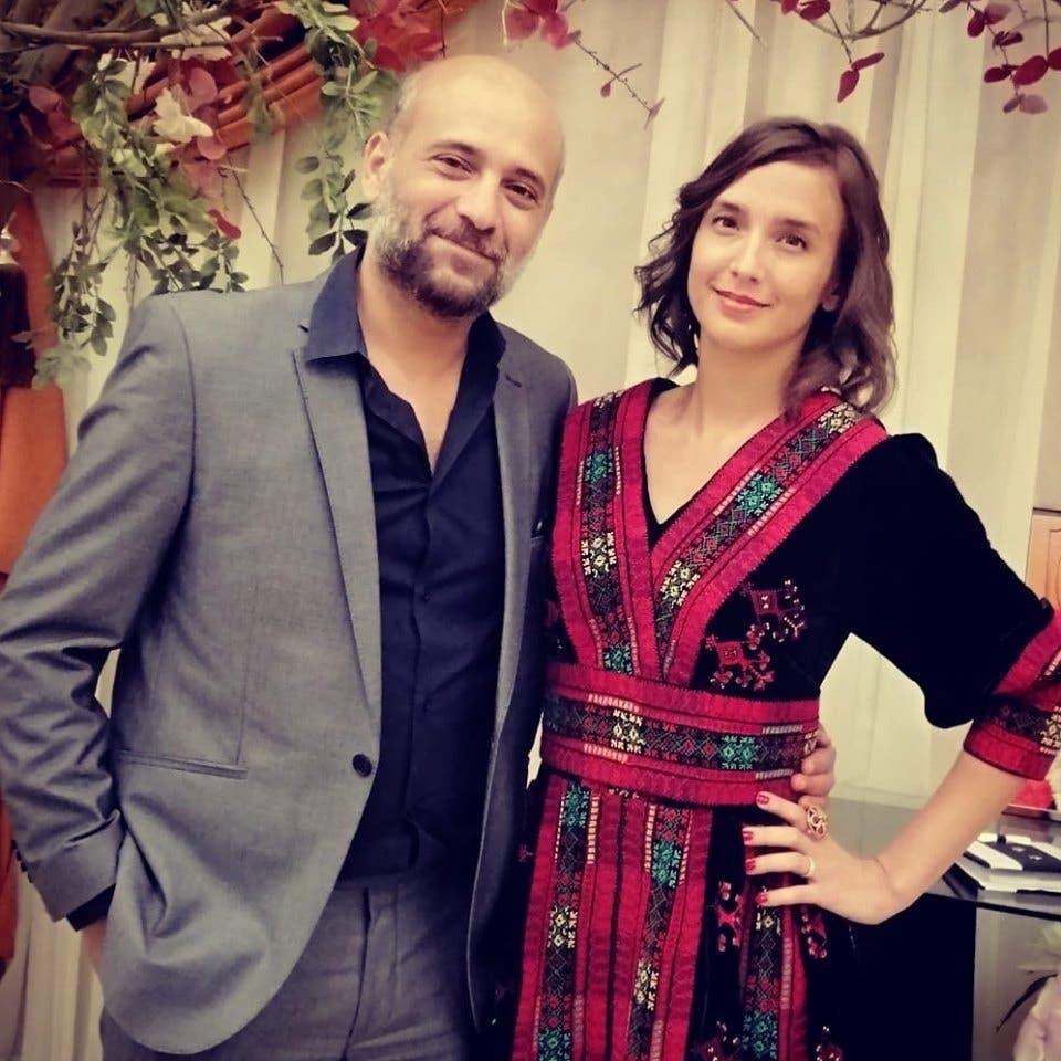 رامي وزوجته