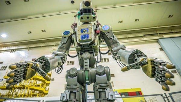 """مركبة روسية إلى الفضاء.. عليها روبوت و""""صديقته""""!"""
