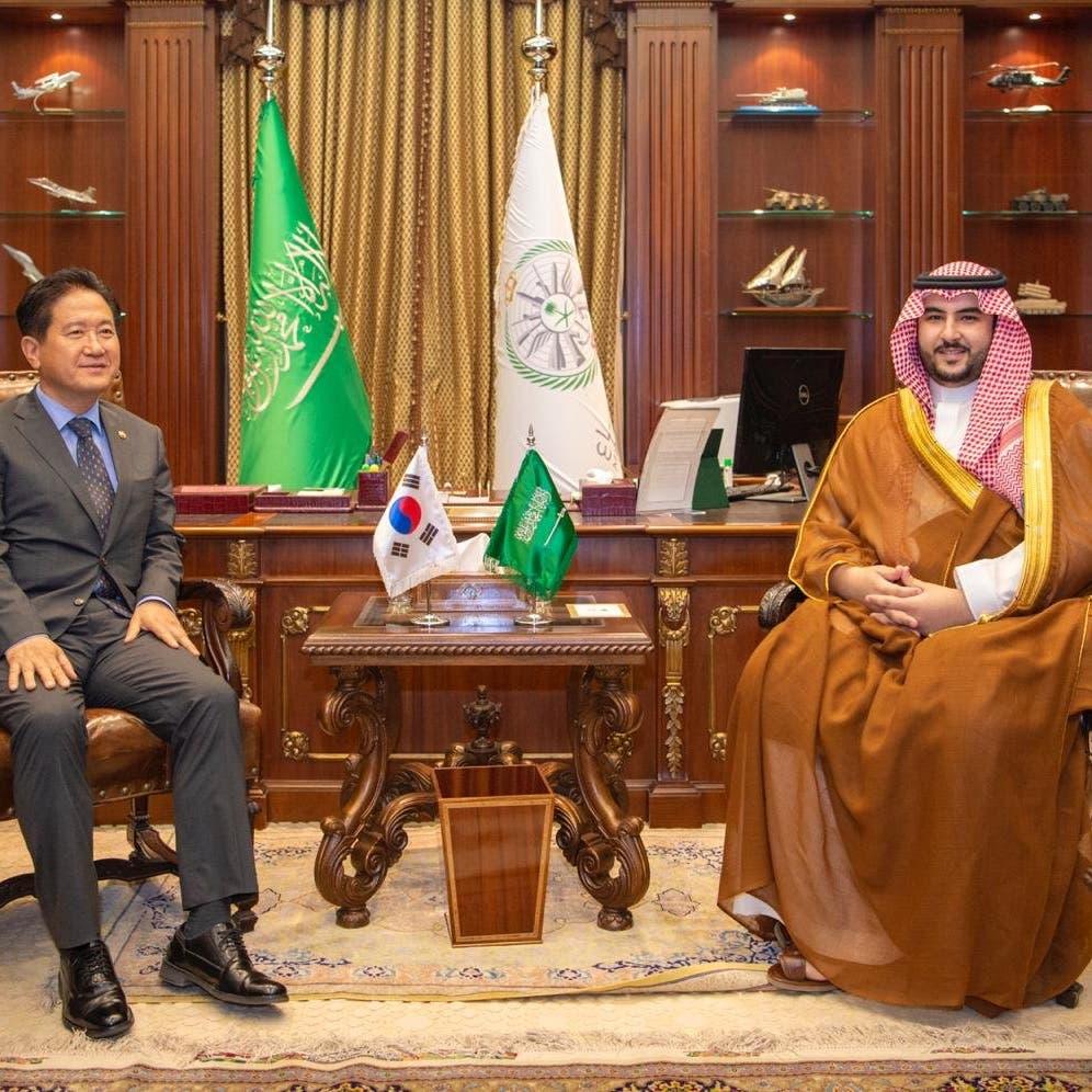 الأمير خالد بن سلمان يلتقي قيادات من المجلس الانتقالي