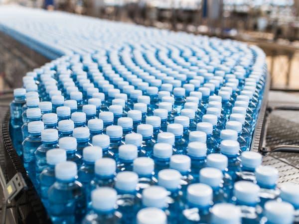 احذر مياه الشرب المعبأة بزجاجات البلاستيك.. دراسة تشرح