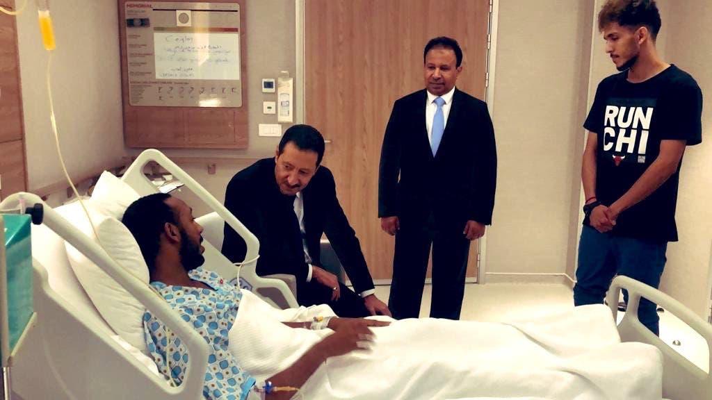من زيارة السفير للشاب السعودي