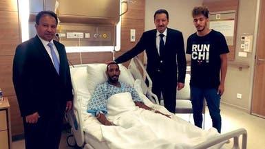 السفير السعودي يزور مواطناً تعرض لإطلاق نار في إسطنبول
