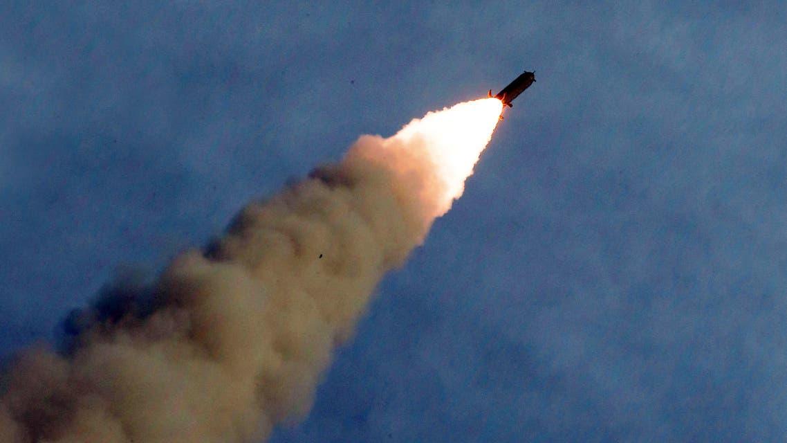 كوريا الشمالية قاذفة صواريخ عملاقة متعددة الفوهات