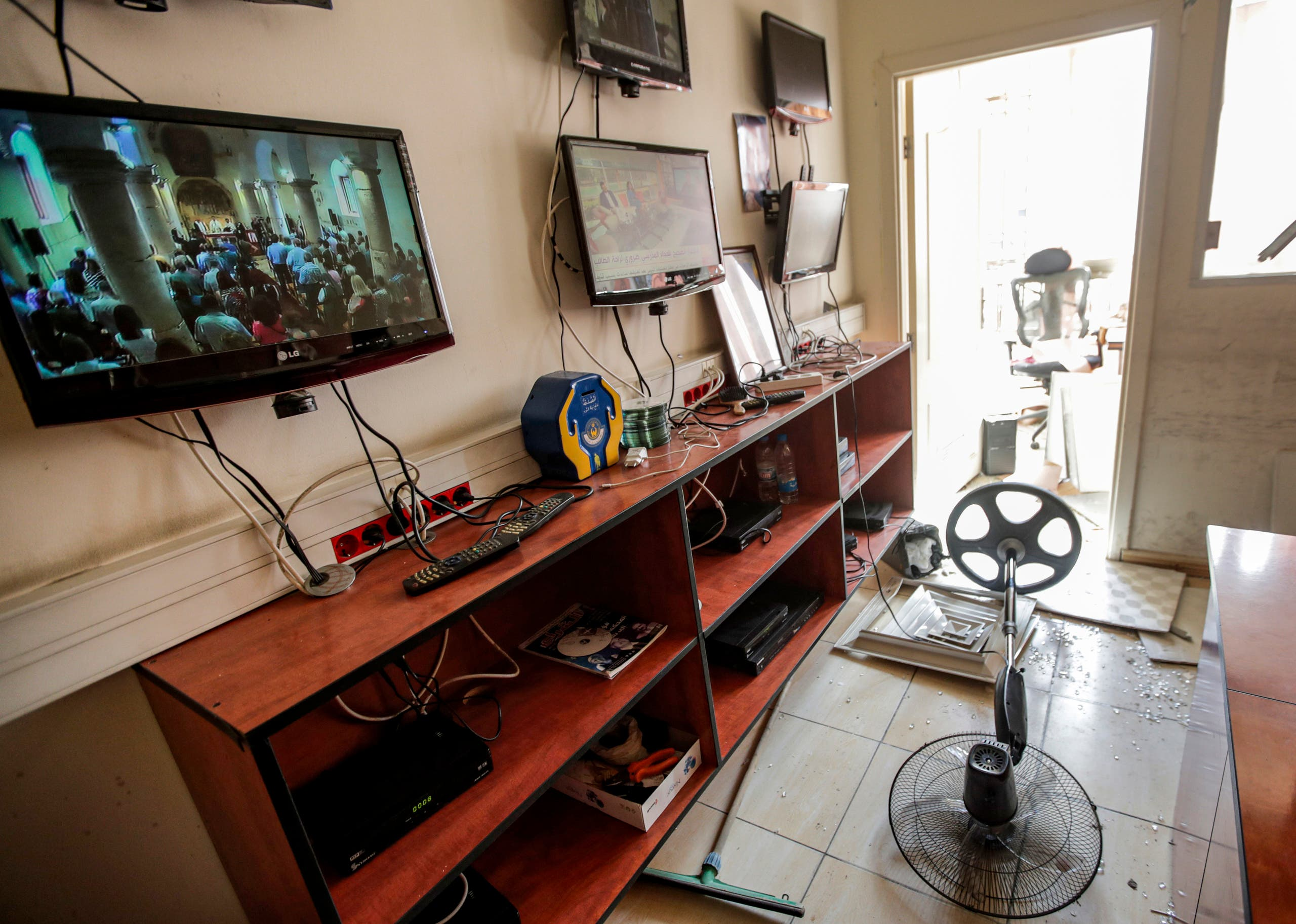 صورة من داخل مركز حزب الله الإعلامي (فرانس برس)