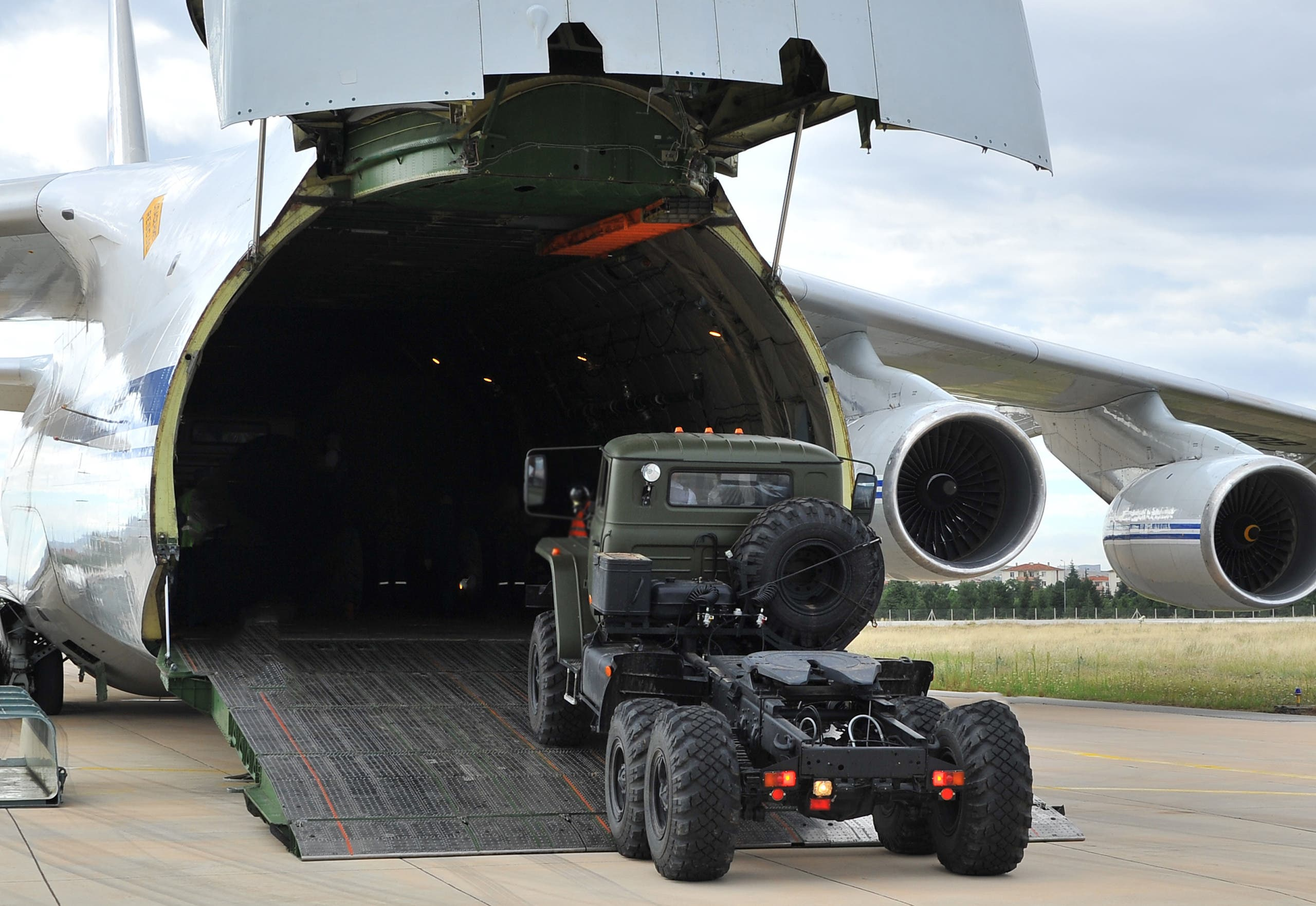 A Russian military cargo plane, carrying S-400 missile defense system from Russia, during its unloading at the Murted military airbase (also known as Akincilar millitary airbase), in Ankara. (File photo: Reuters)