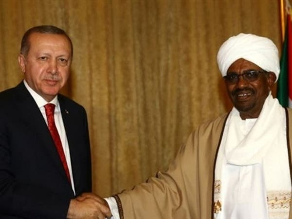 قلب تركيا على رجال البشير.. إقامات طويلة الأجل لقياداته