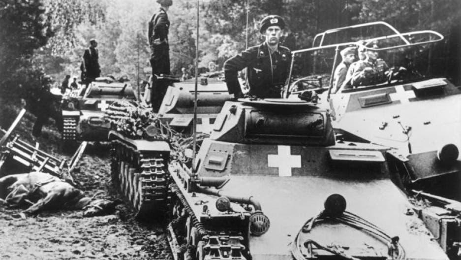 صورة لدبابات ألمانية ببولندا سنة 1939