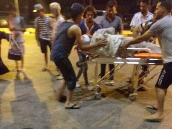 صور.. قصف يخلف إصابات بين الحجاج ويغلق مطار معيتيقة الليبي