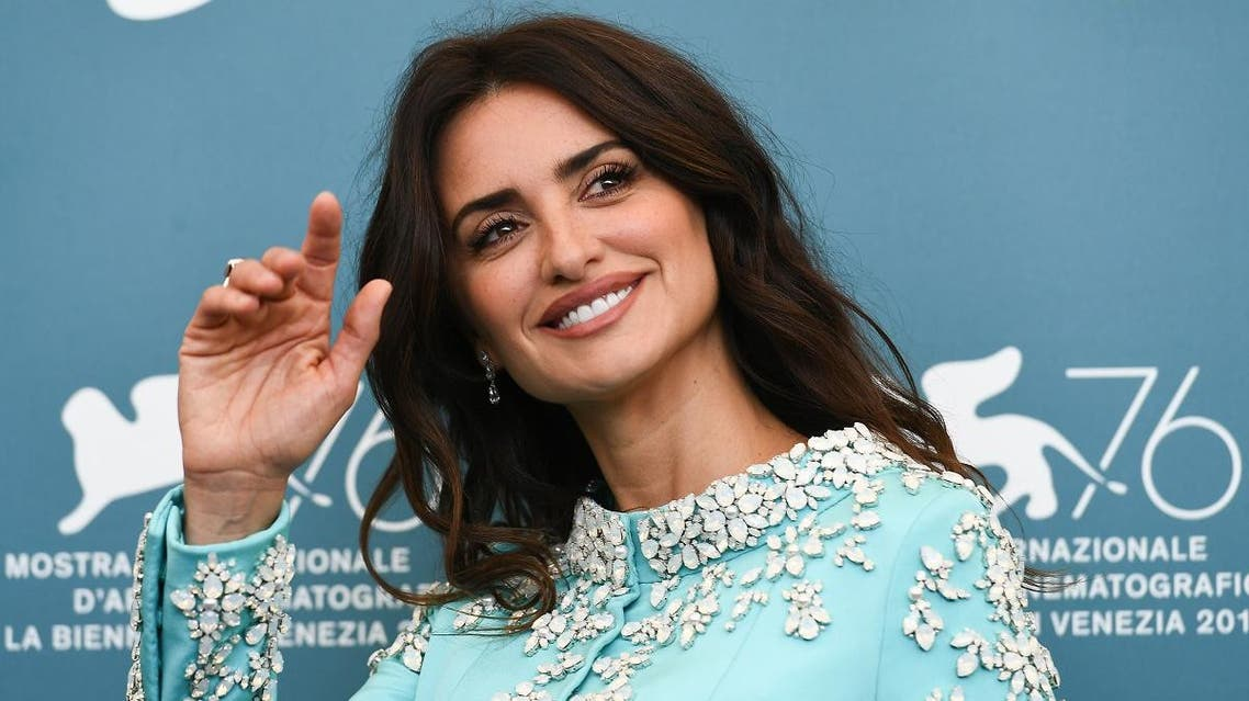 """Spanish actress Penelope Cruz attends a photocall for the film """"Wasp Network"""" on September 1, 2019 presented in competition during the 76th Venice Film Festival at Venice Lido. (AFP)"""