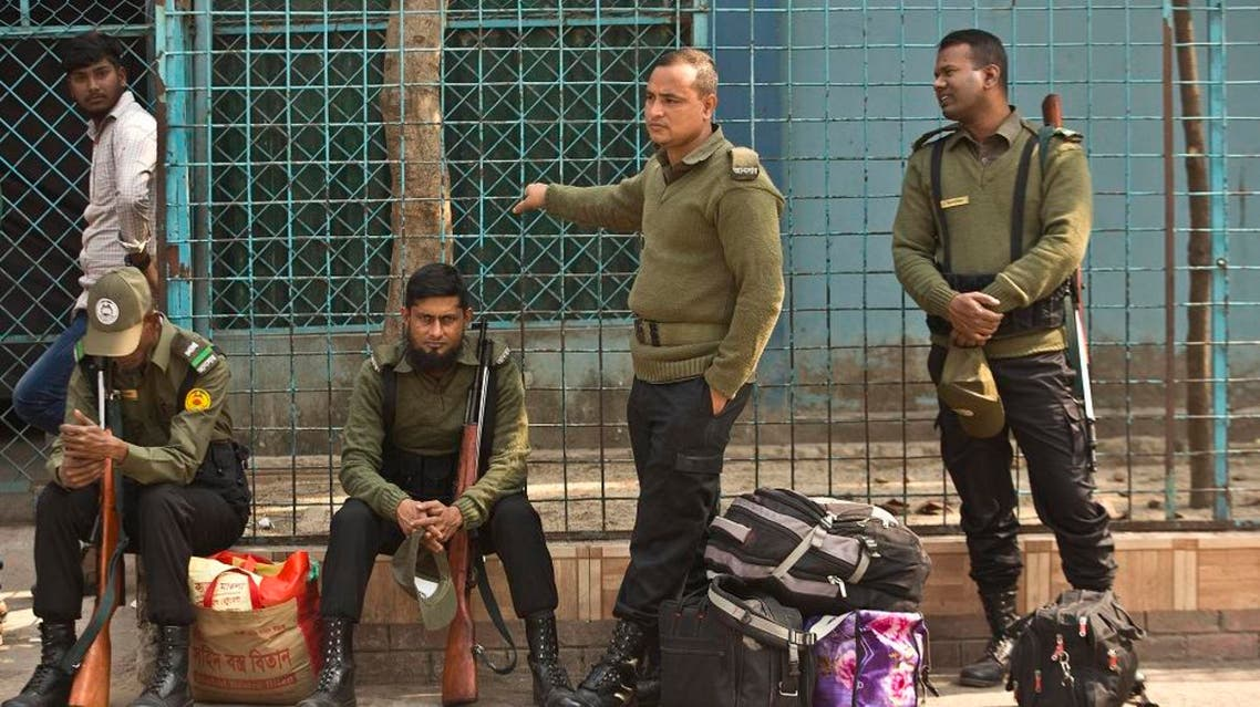 Bangladeshi police personnel with their belongings. (File photo: AP)