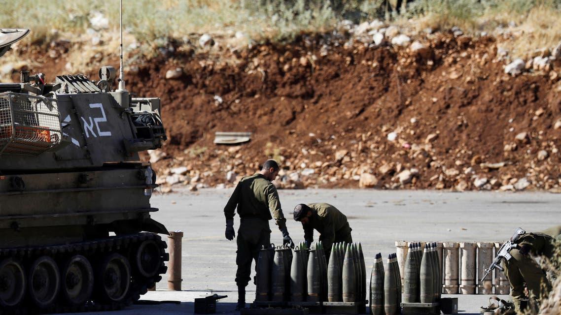 جنود إسرائيليون قبالة الحدود اللبنانية اللبنانية (رويترز)