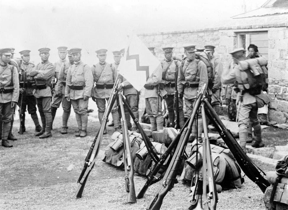 صورة لجنود يابانيين عقب التدخل بمنشوريا سنة 1931