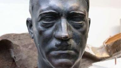 تمثال لهتلر عثروا عليه في قبو بمقر مجلس الشيوخ الفرنسي