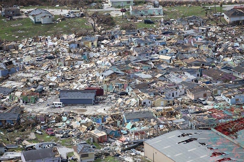 من الدمار الذي خلفه إعصار دوريان