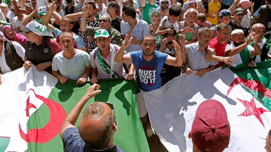 Algerian demonstrators take to the streets in the capital to protest against the government, in Algeria, on  September 6, 2019.  (AP)