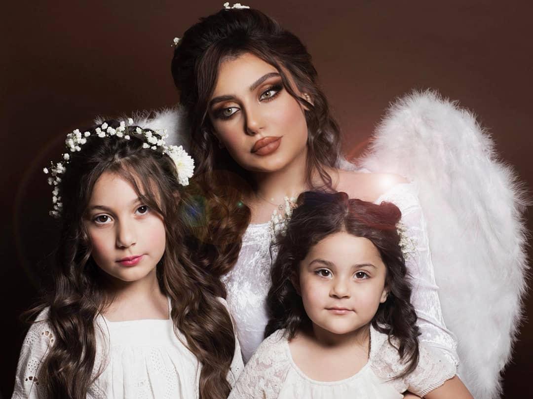 زينب مع ابنتيها