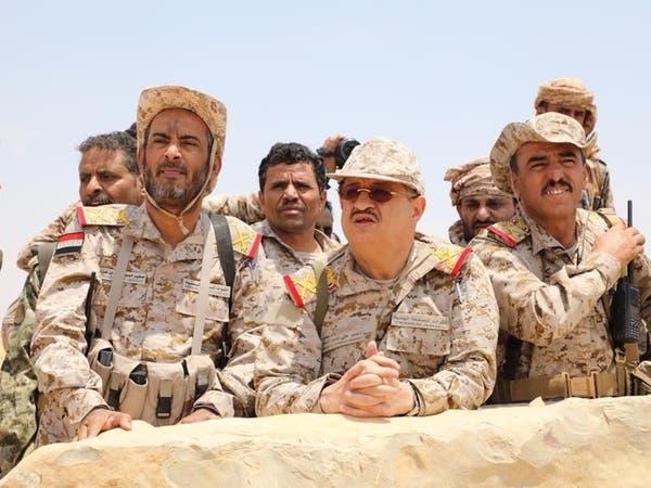 بالصور.. وزير الدفاع اليمني في المواقع المحررة في نهم