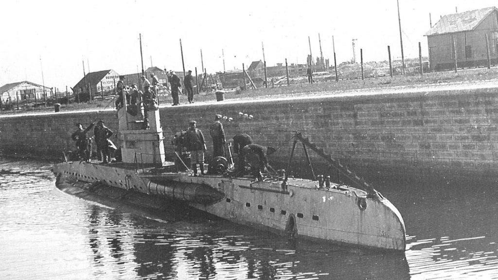 صورة لإحدى الغواصات الألمانية بالحرب العالمية الأولى