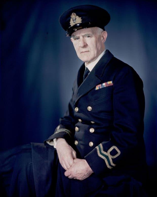 صورة تعود لسنة 1943 لنورمان ولكنسون