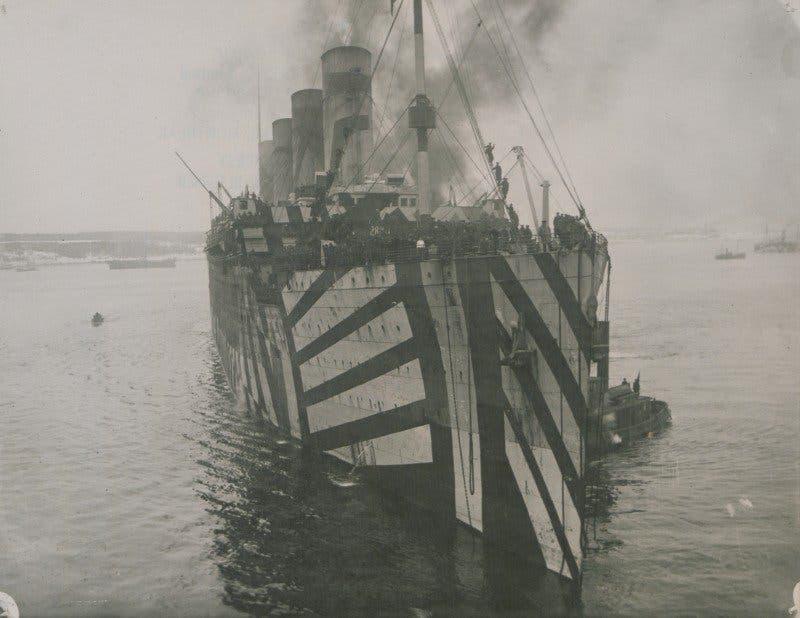 صورة لإحدى السفن التي لوّنها البريطانيون بالحرب العالمية الأولى
