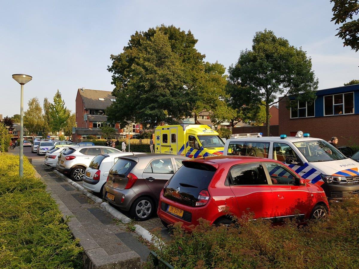 من موقع اطلاق النار في أحد أحياء مدينة دوردريخت في هولندا(رويترز)