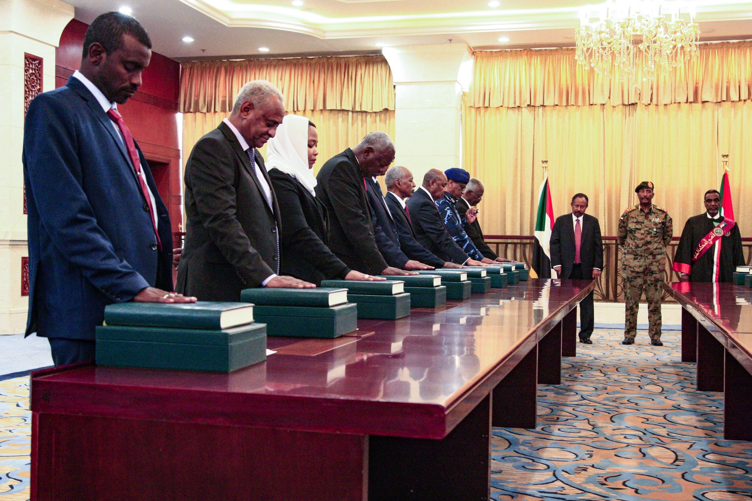 حكومة حمدوك تؤدي اليمني الدستورية
