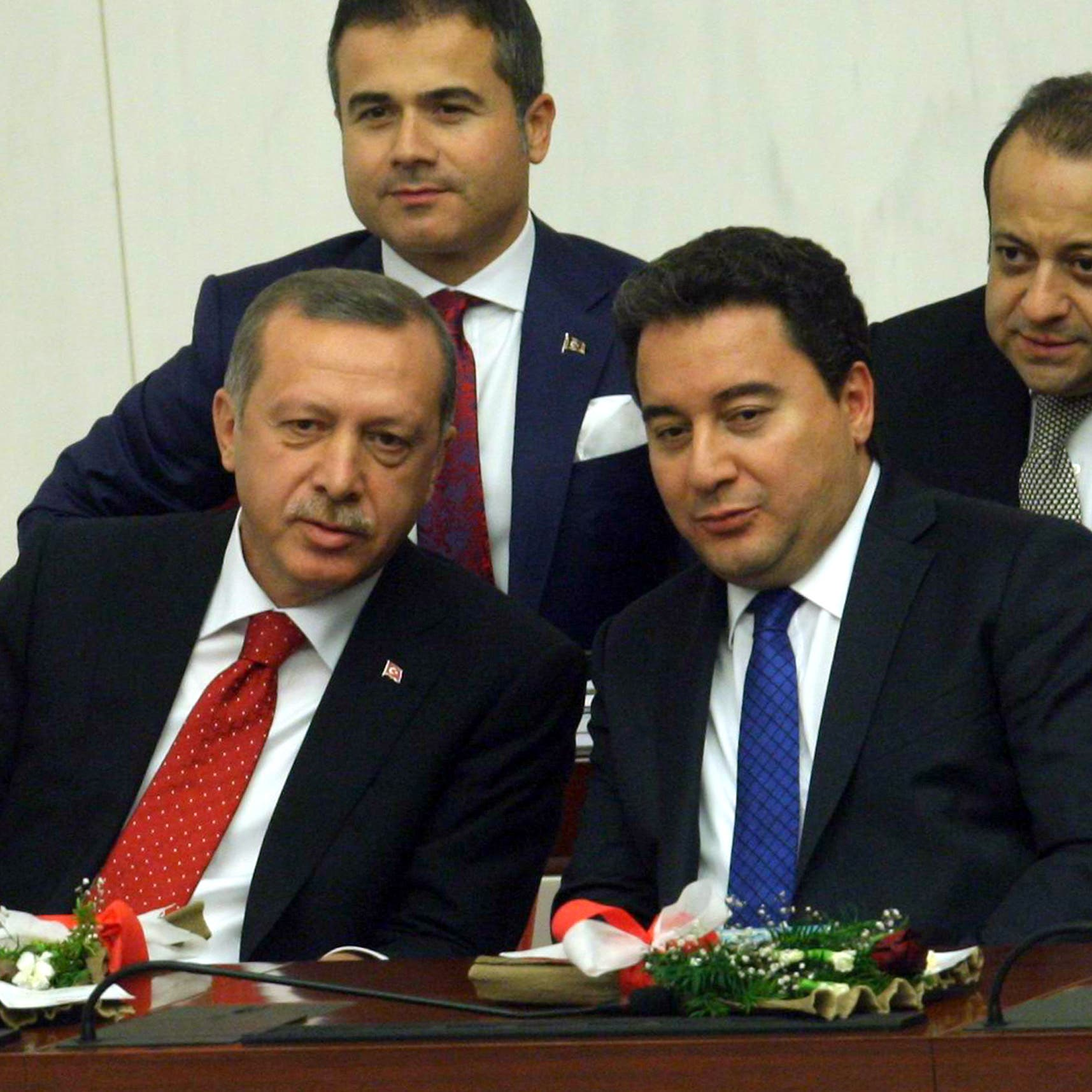 تركيا.. حزب جديد بزعامة حليف سابق لأردوغان يُطلق الأربعاء