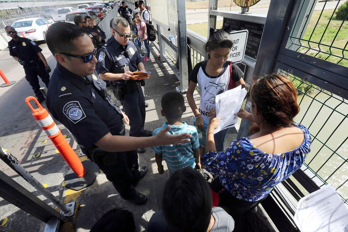 A federal judge in California has reinstated a nationwide halt on the Trump administration's plan to prevent most migrants from seeking asylum on the U.S.-Mexico border. (AP)