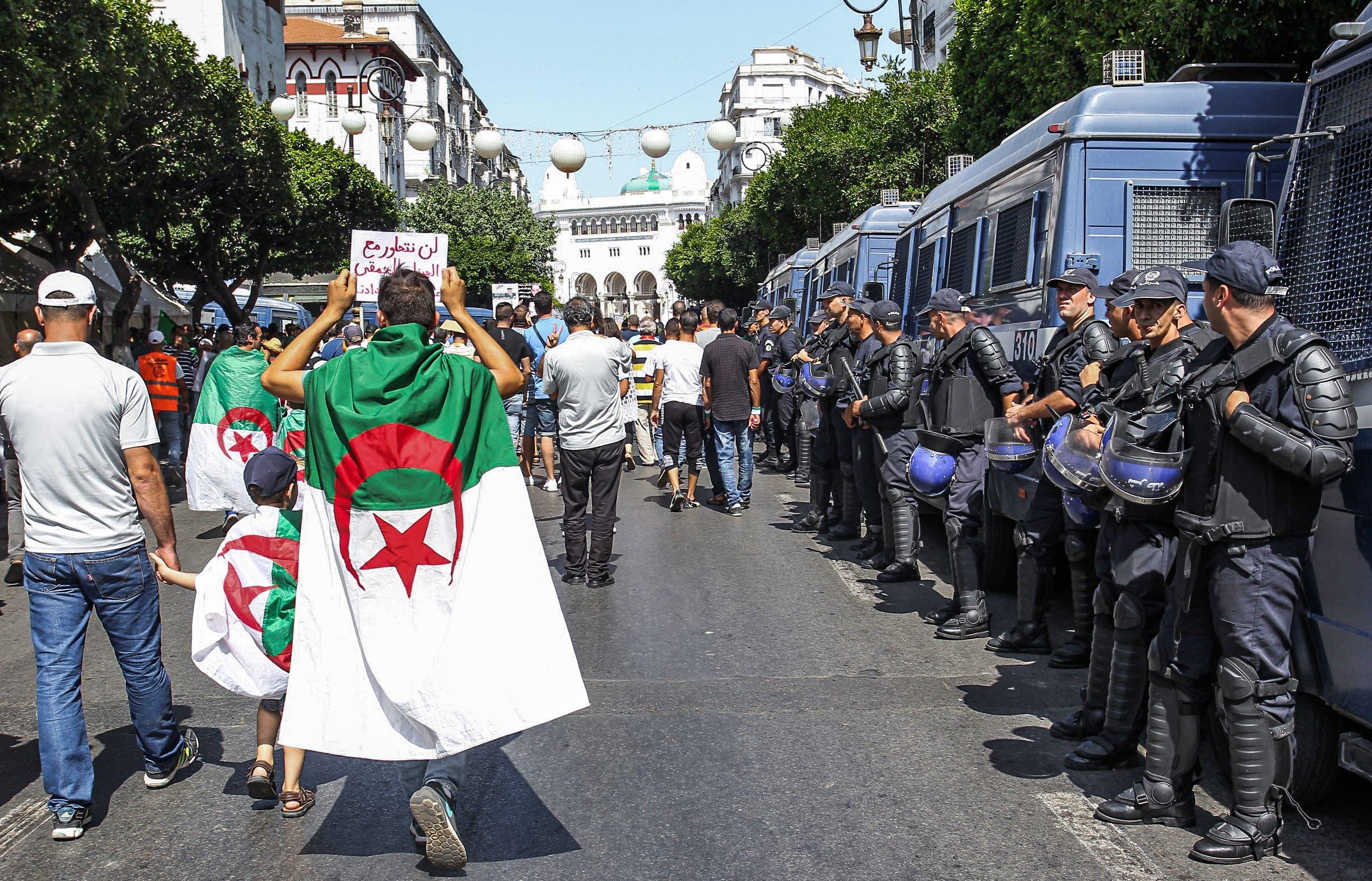 من الحراك الجزائري(أرشيفية- فرانس برس)