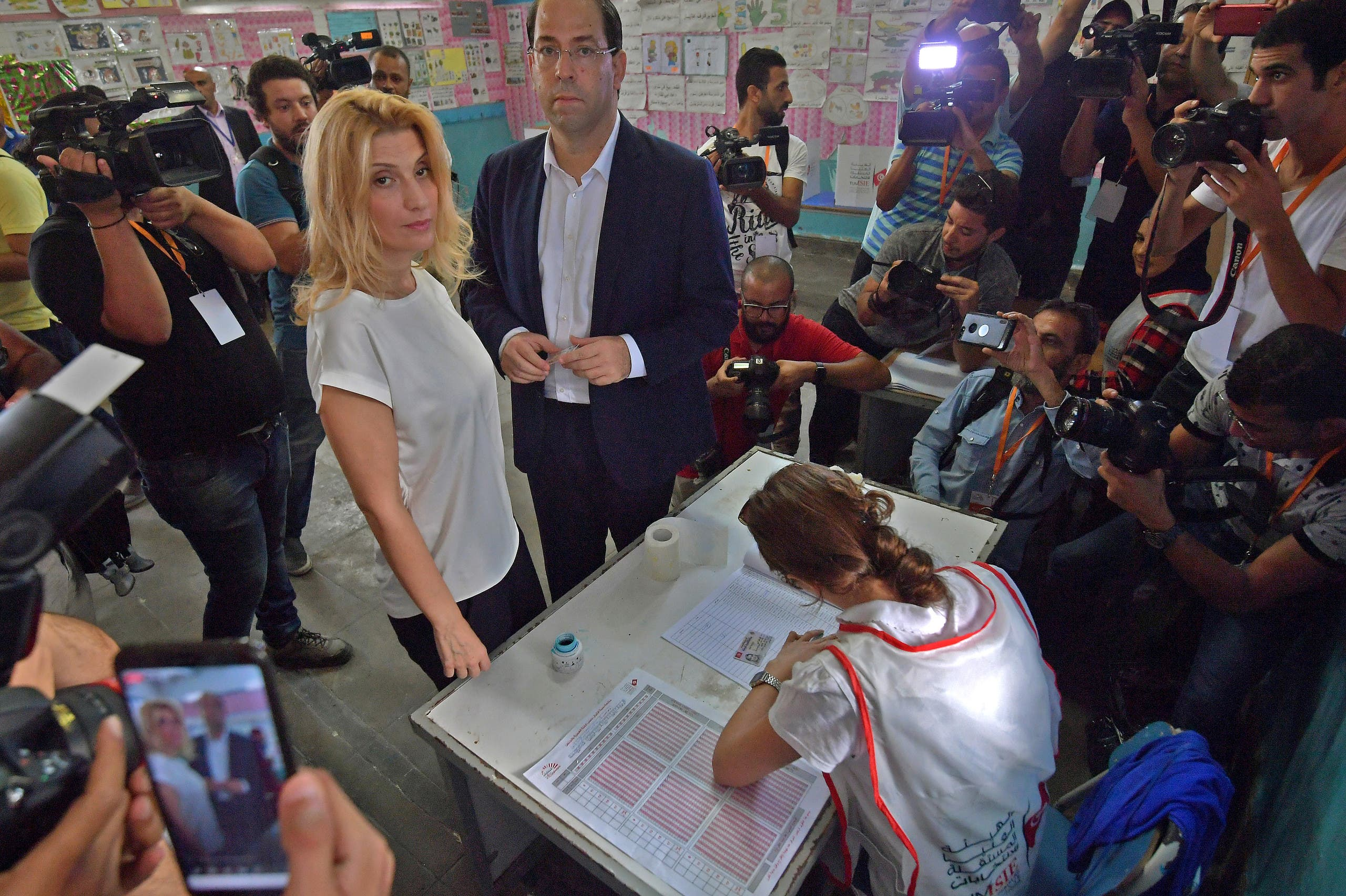 الشاهد في أحد مراكز الاقتراع (15 سبتمبر - فرانس برس)
