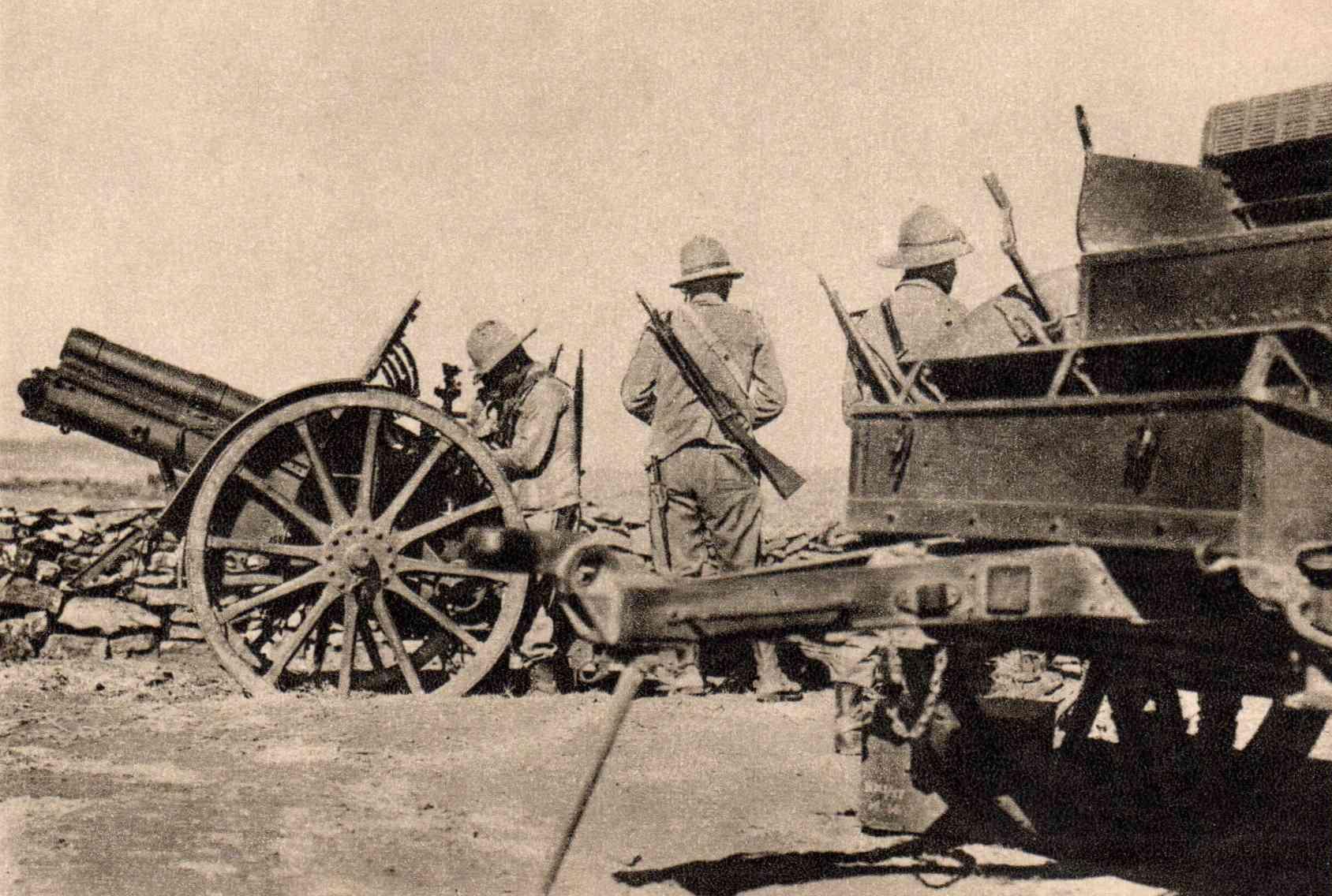 صورة لعدد من الجنود الإيطاليين باثيوبيا سنة 1936