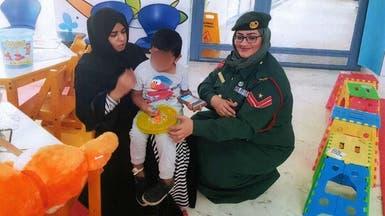 طفل آسيوي دخل والداه السجن.. فاهتمت شرطة دبي برعايته