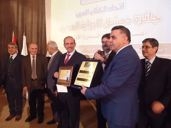 وزير سوري فائز بجائزة أفضل رواية متهم بالفساد!